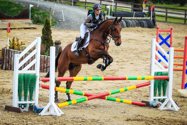Vital double clear secures glory for Ward