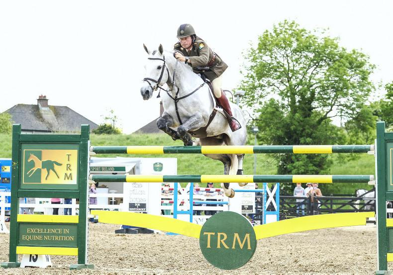 SHOW JUMPING: Curran and Hallowberry Cruz to victory