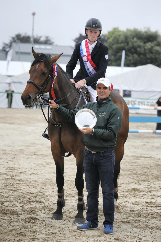 DUBLIN HORSE SHOW 2018: Garrigan's style scoops bursary award