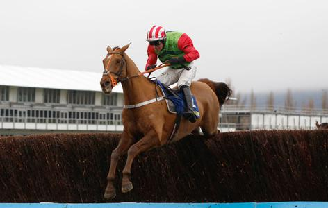 Definitly Red delivers in dramatic Charlie Hall renewal at Wetherby