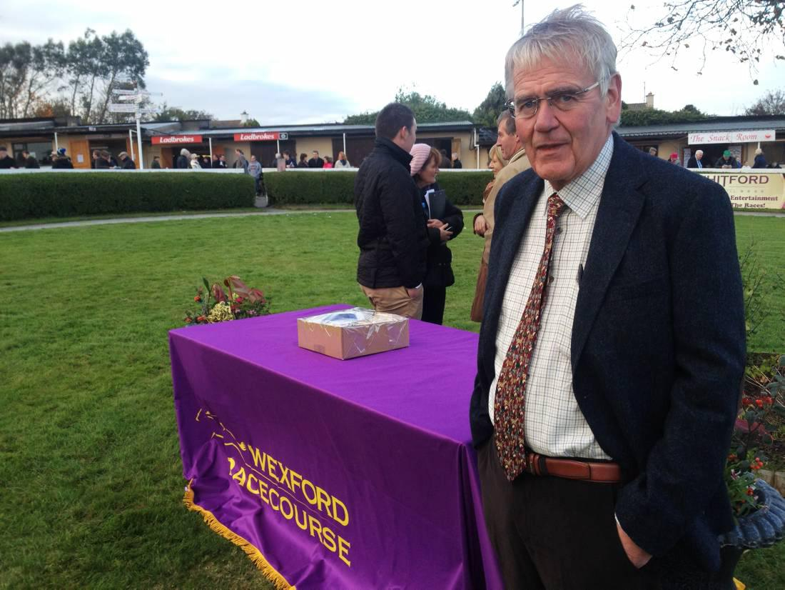 Wexford Racecourse may race left-handed in 2015