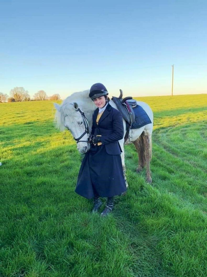 PONY TALES:  Jessica cuts a dash across the country!