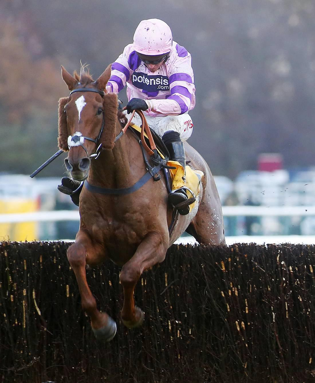 BRITAIN: Smooth success for Silviniaco Conti