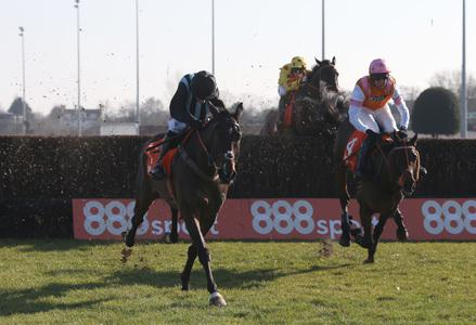 Bags back in the winning Groove at Kempton