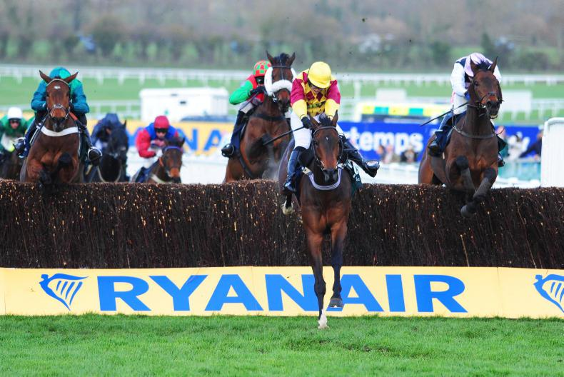Lizzie Kelly shines on Siruh Du Lac at Cheltenham