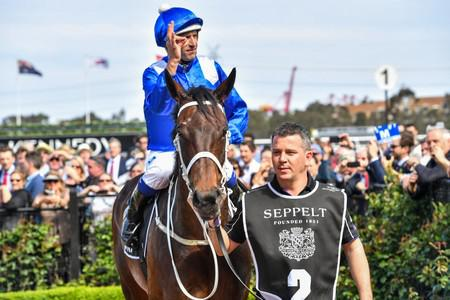 Wonderful Winx bows out in perfect style