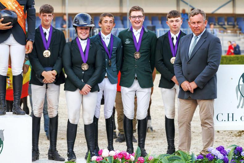 INTERNATIONAL: Bronze for junior show jumpers
