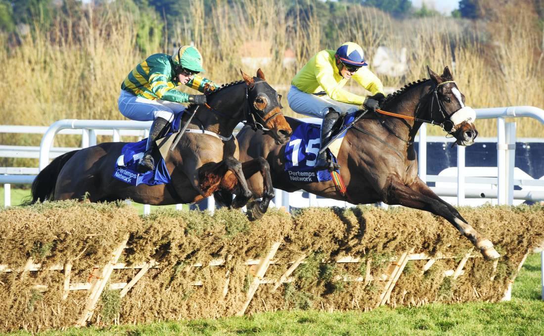 Le Vent blows away his rivals