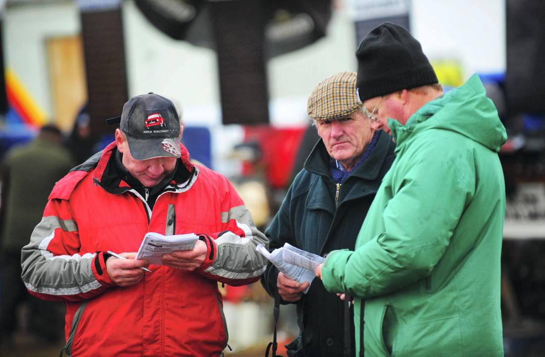 Crowds and bookies in abundance at Dromahane