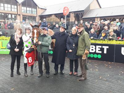 Faugheen survives scare to win on chasing debut