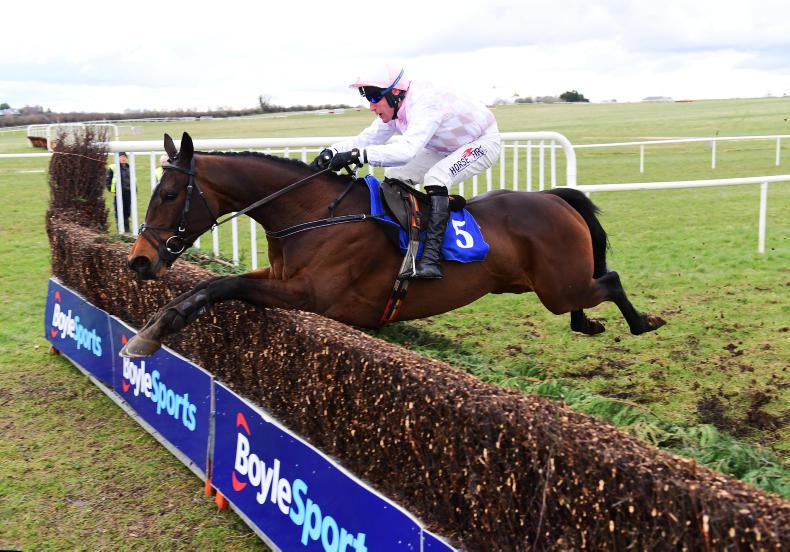 THURLES THURSDAY: Punters over the Moon with Emily