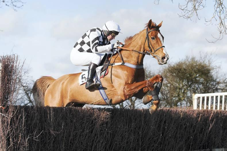 BRITAIN: Current Event stakes Foxhunters claims