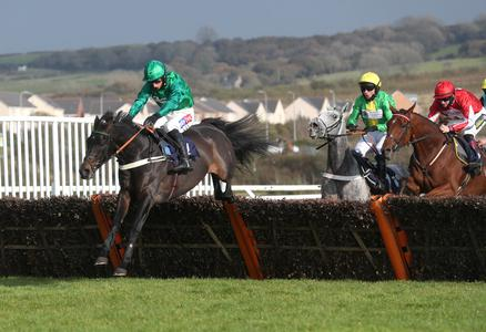 Sceau Royal returns with Welsh Champion Hurdle victory