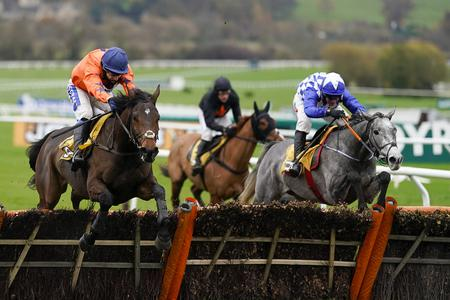 Duffle Coat delivers for Elliott and Power at Cheltenham
