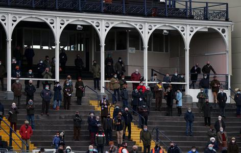 Ludlow racegoers cheer return from lockdown