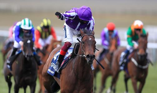 Mother Earth strikes for O'Brien and Dettori in 1000 Guineas