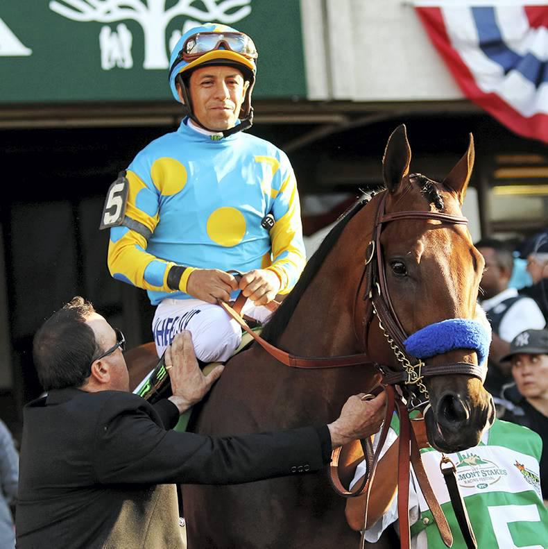 NEWS IN BRIEF: Racing and breeding stories from the July 4th issue