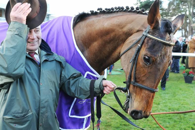 VIDEO: Carlingford Lough pulls off shock Punchestown Gold Cup win