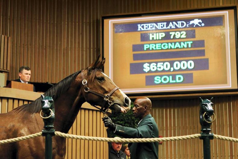 Uptown Twirl makes a piece of Keeneland history