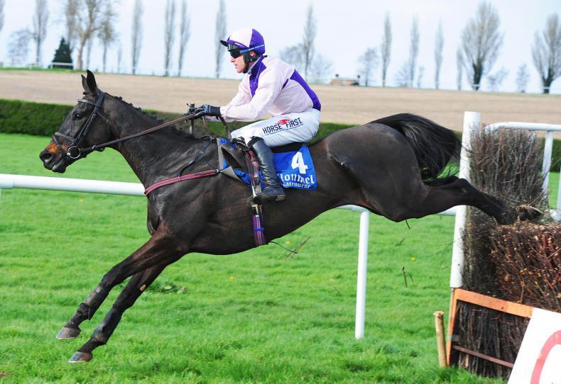 CLONMEL TUESDAY: Val De Ferbet makes all to win