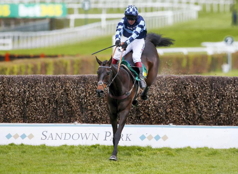 BRITAIN: Four and out for magic Menorah