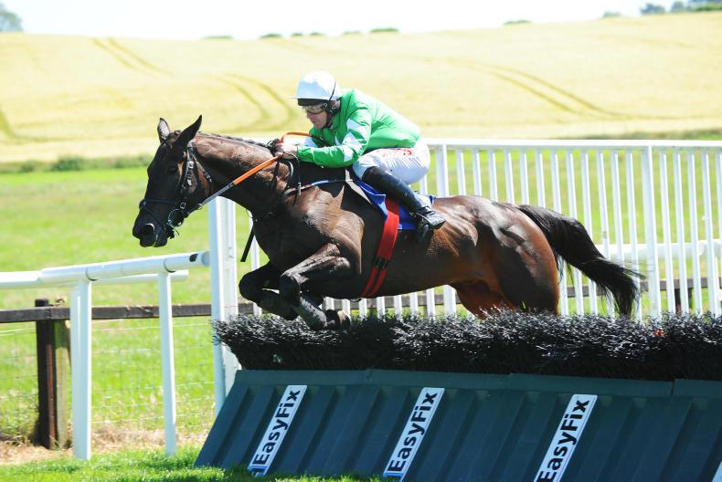 DOWNPATRICK SUNDAY: Elliott and Russell on song