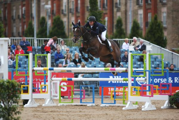 Hadley retains young rider title