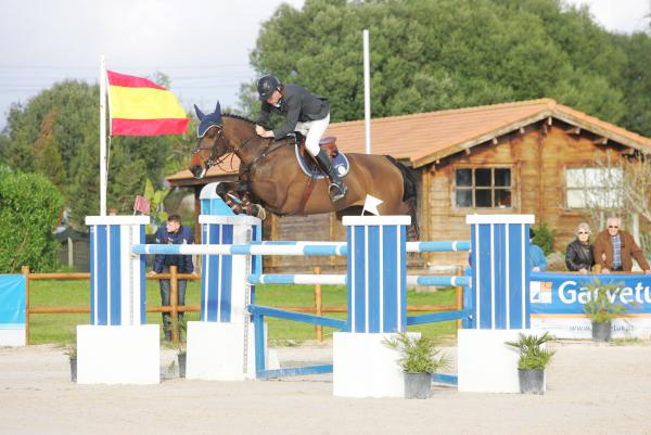 Lennon and Loughview Lou-Lou win Grand Prix