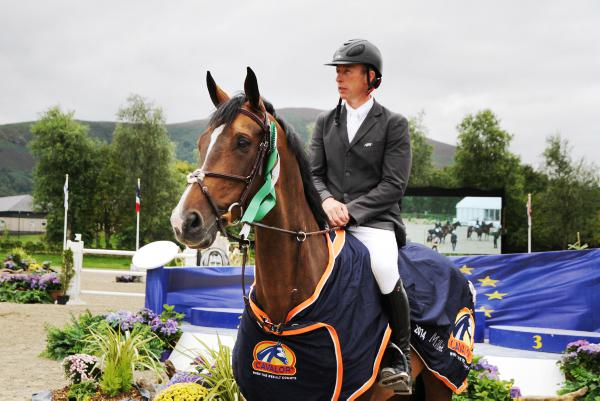 Masters victory for Lennon and Hallmark Elite