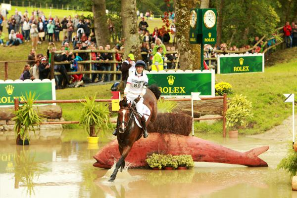 Wall congratulates Irish eventers