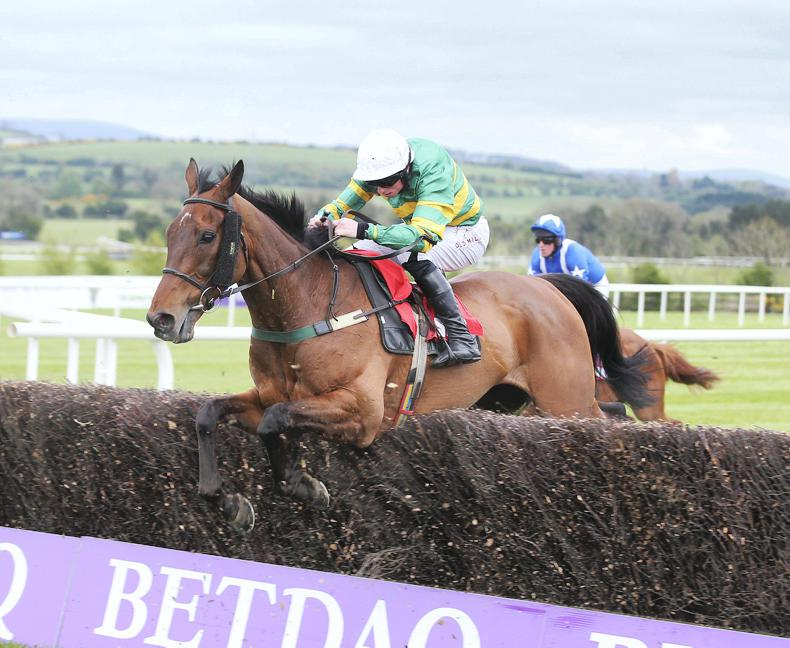 On The Fringe given Aintree option again